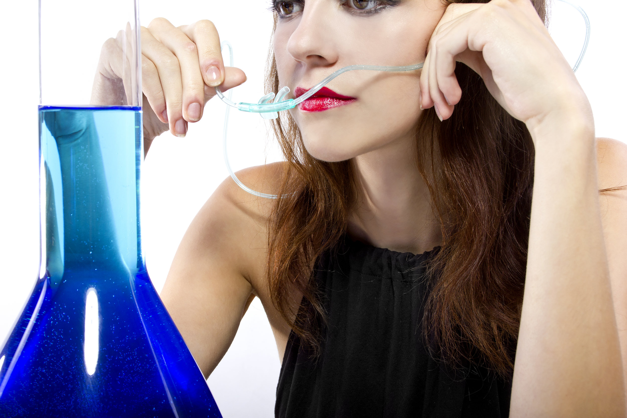 We Love Helping! - All of our oxygen bar clients are offered hot tea, water and a warm shoulder wrap. You can also sample our altitude adjustment aromatherapy treatment cream.