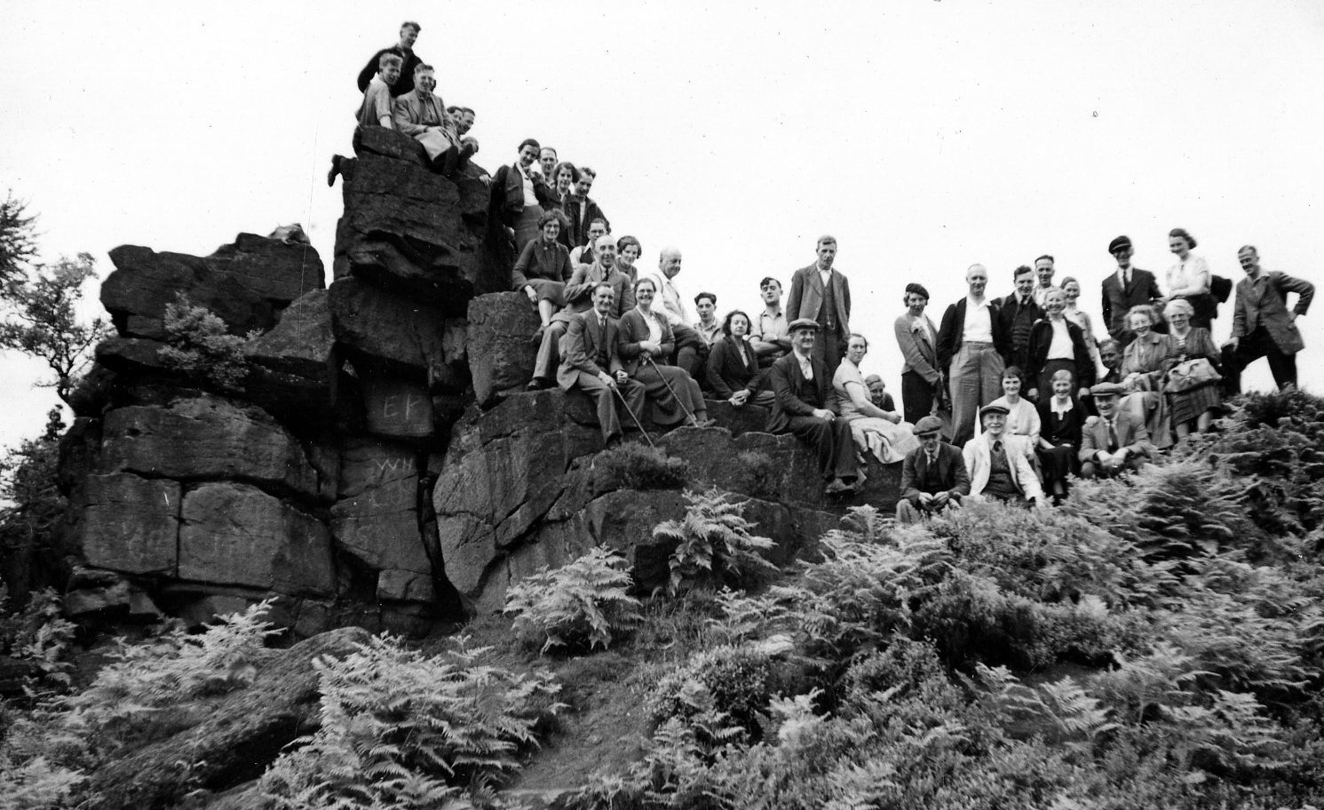 Sheffield Clarion Ramblers at Castle Rock (Dane Valley ramble), 3rd July1938. Image courtesy of www.picturesheffield.com and B Peacock/Sheffield Archives and Local Studies Library