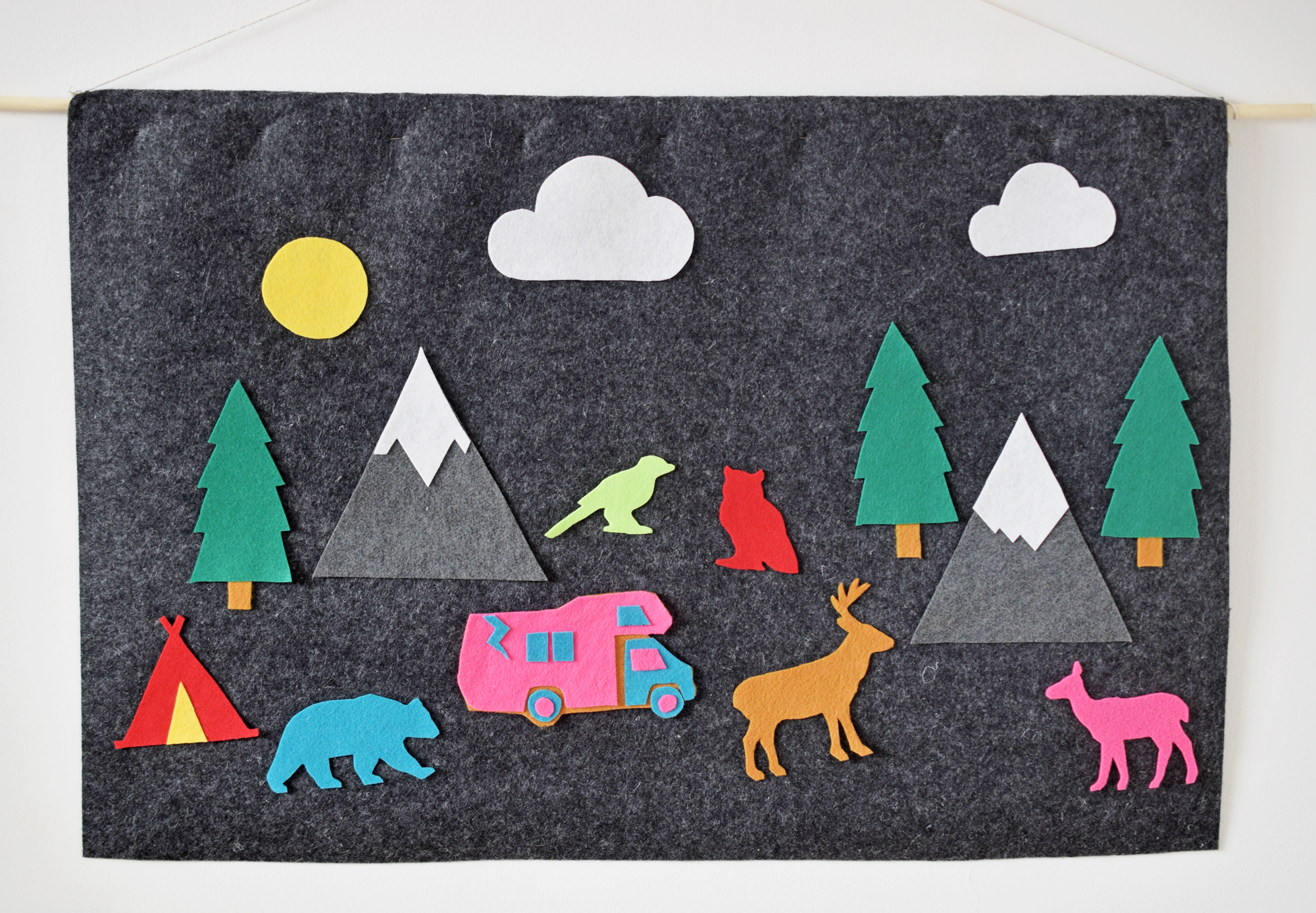 DIY Animal Felt Board For Kids