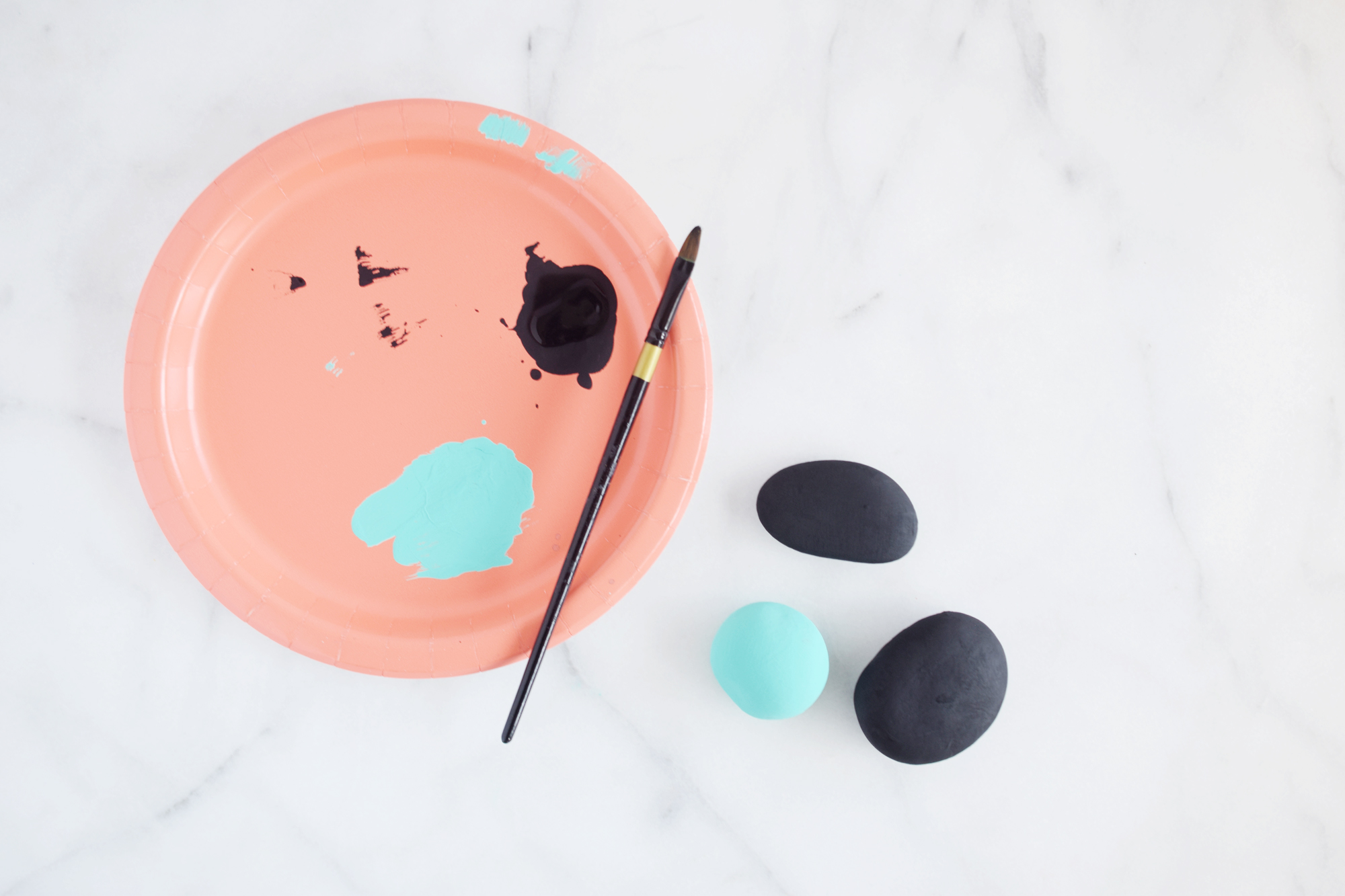 Painted rock photo holders craft