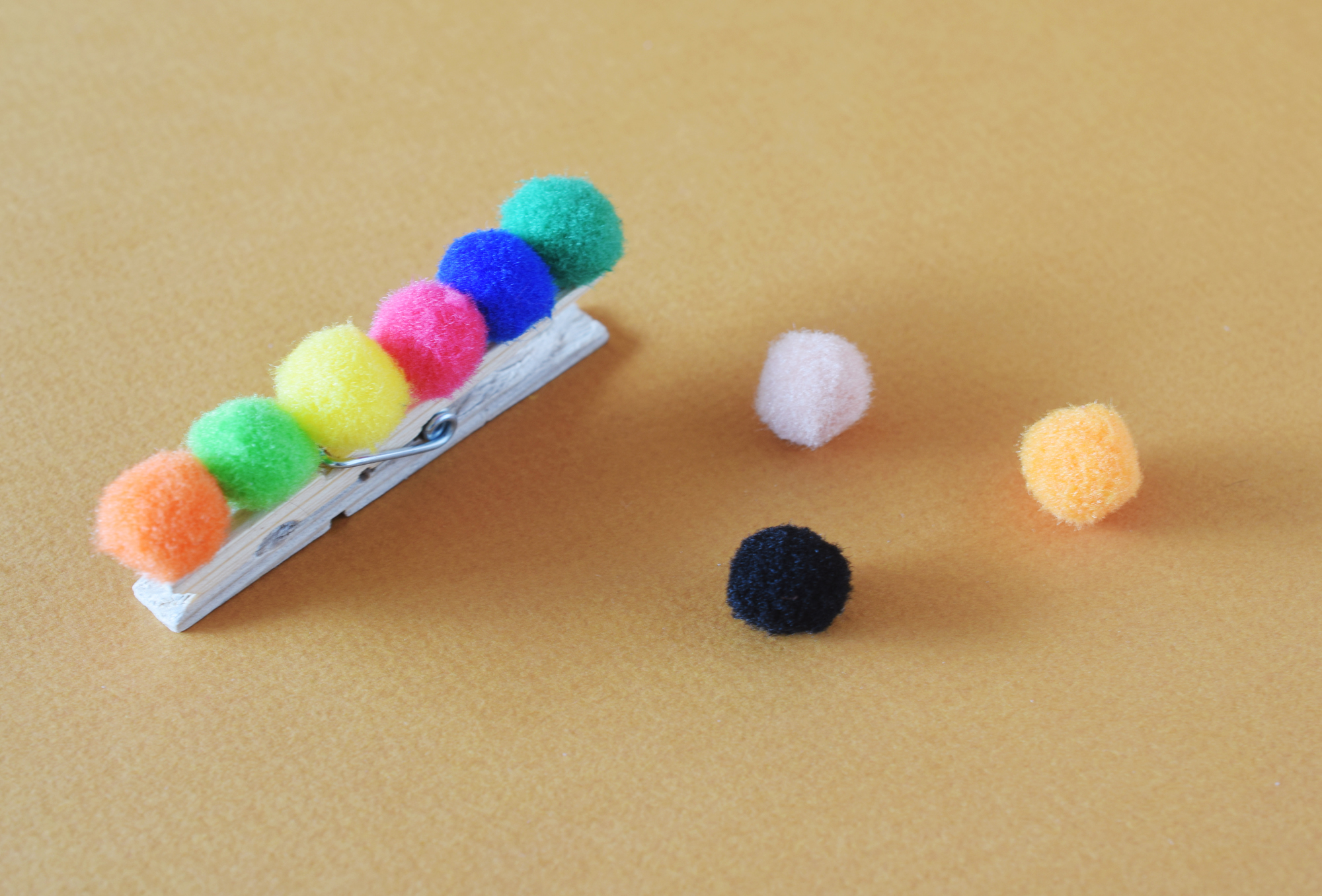 Easy caterpillar craft for kids