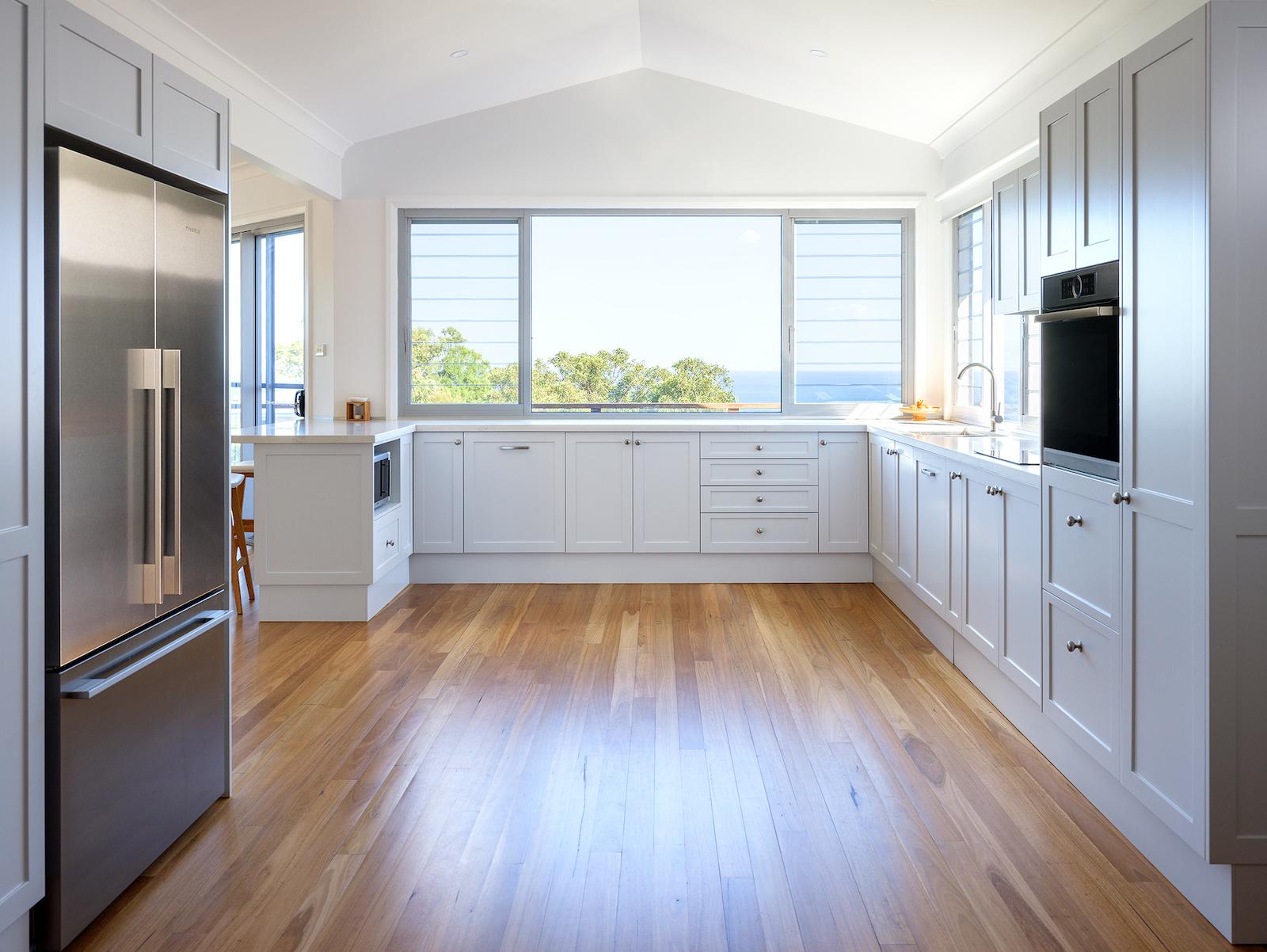 shaker kitchen carrara marble Killcare Architect.jpg