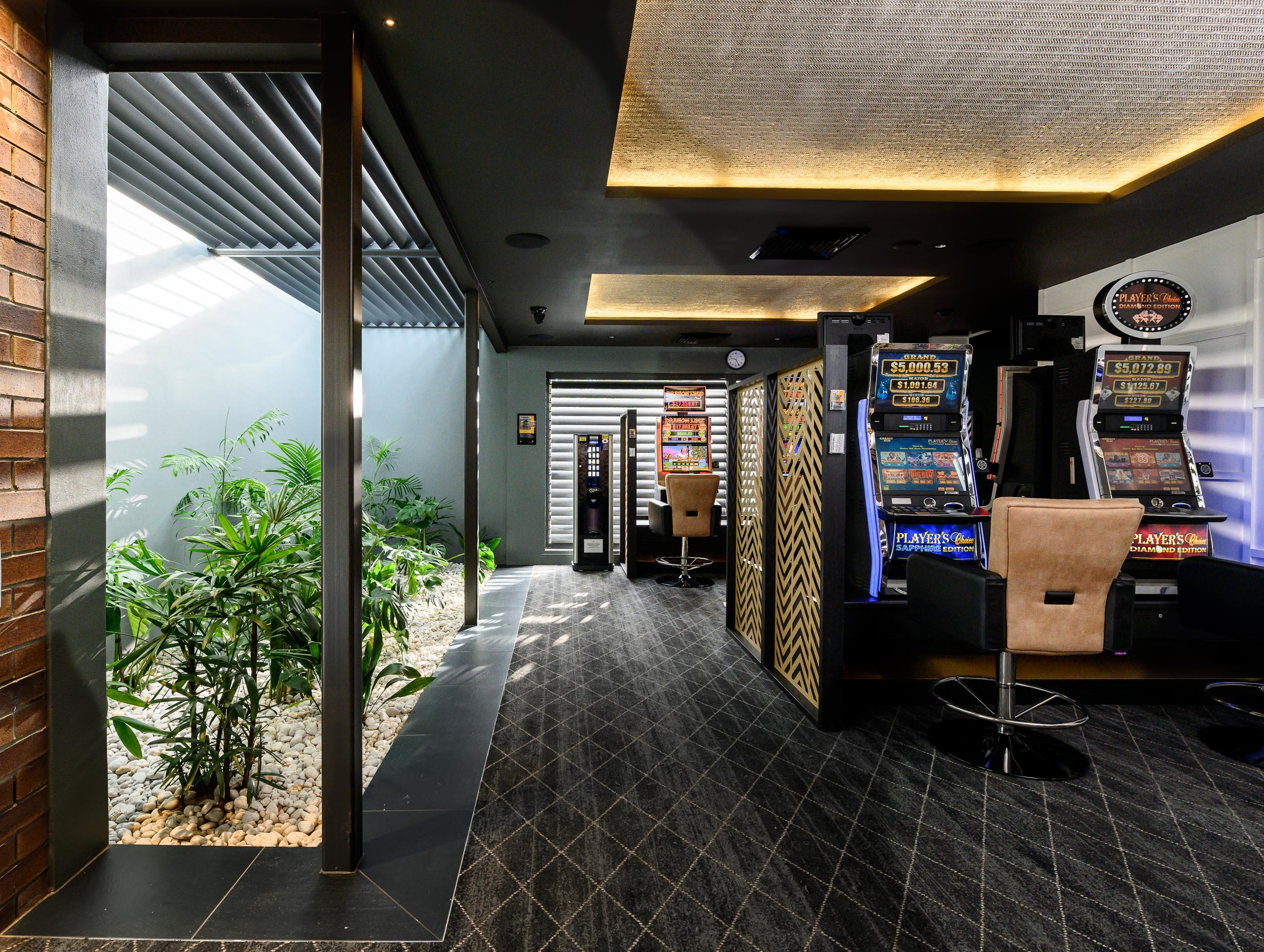 FabriArchitecture_TheTownhallHotel_Newcastle_NSW_CREDIT_DominicLoneragan_030719_0160.jpg