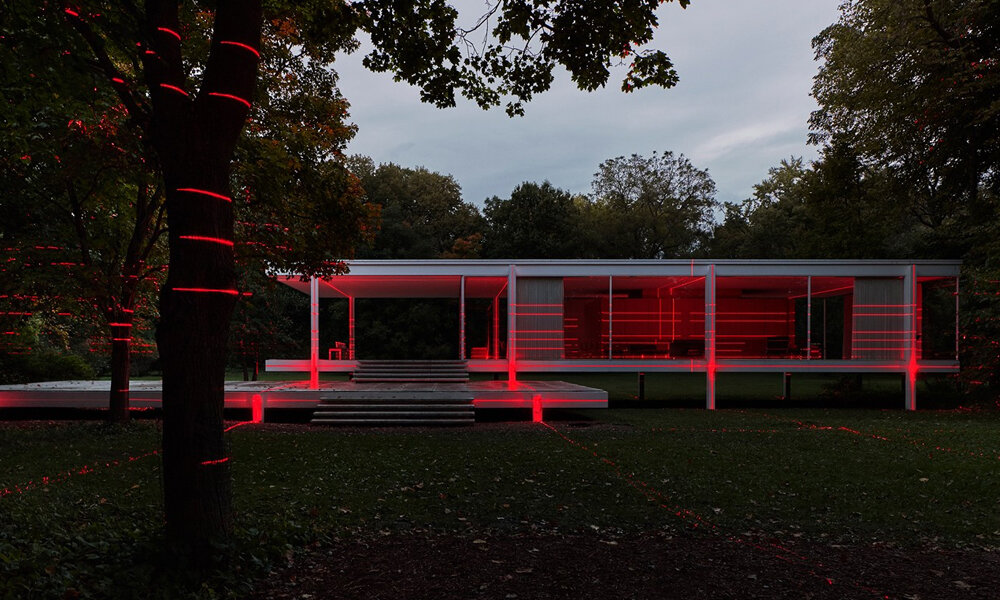 Mies-van-der-Rohe-Farnsworth-House-Illuminated-With-Lasers.jpg