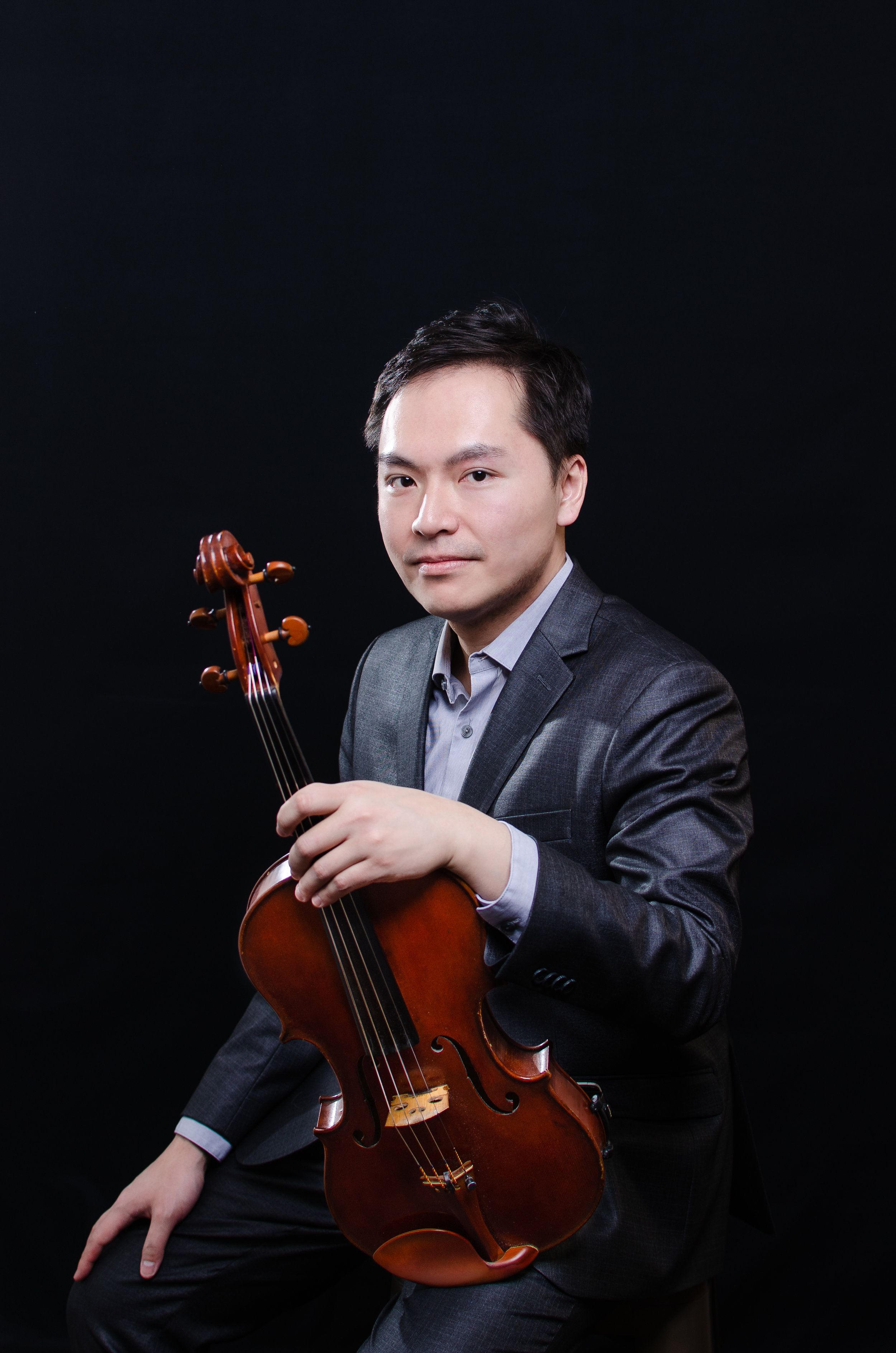 Andy Lin, Viola/Erhu   Artistic Director