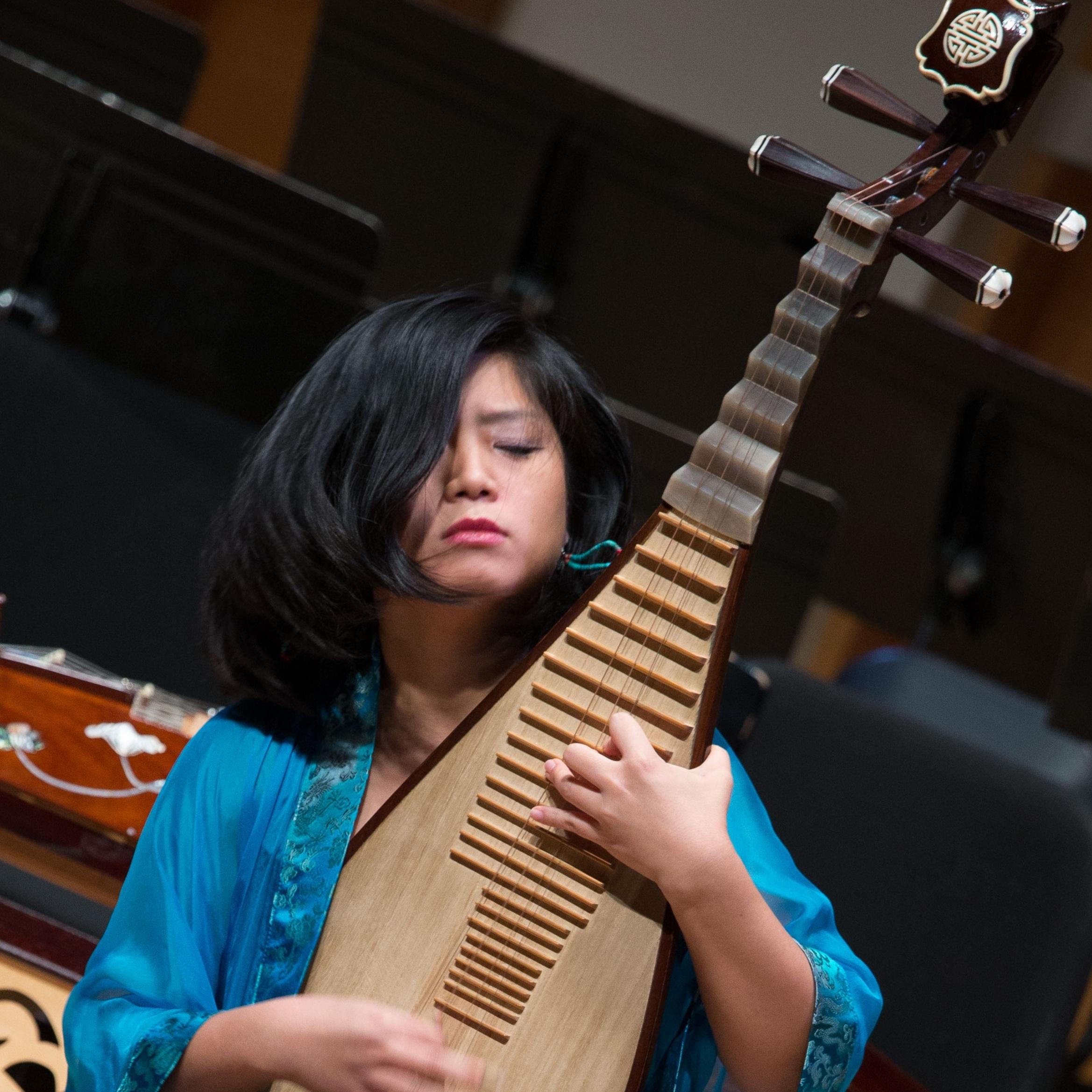 Yi Zhou, Pipa