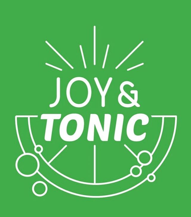 Last week I was the featured guest on the @joyandtonicpodcast and I am so very honored. Maria and I talked about the transition out of my dance career, Cleveland, community and OF COURSE podcasting! Podcasting is such an incredible platform for entertainment, education and connection and I am SO happy that the podcasting community is growing here in Cleveland. So go check out my episode on Joy and Tonic and give them a follow. 😊