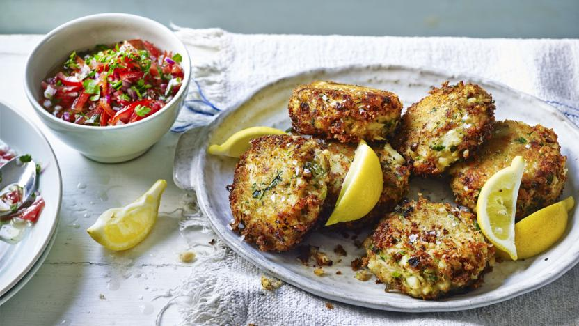 crab_and_cod_fishcakes__15634_16x9.jpg