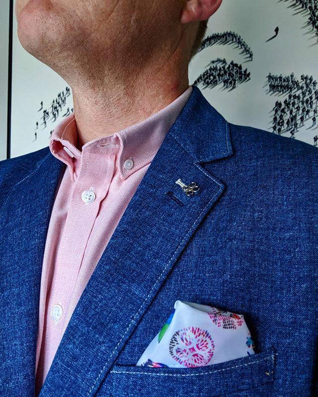 Pink isn't just a color, it's an attitude! #dappertodetails  _________________ #detailsmatter #classydapper #pocketsquare #lapelpins #dapper #dappermen#dapperman#denofmen#mensfashion#mensfashionpost #menwithstyle#dapperstyle#dapperedman#gentlemen#gentlemenstyle #gentleman#fashionpost#classicstyledmen#styleinspiration#menfashion #mensstyle#mensessentials#menstylesuit#mensaccessories#suit #styleoftheday