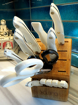 old knife block 400.jpg