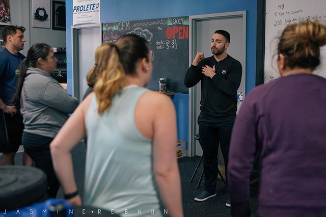 Hello Monday! Time to get back into the routine and crush some week goals!  What do you want to achieve this week? New PR, skill some movement, weight loss?  Reach out to one of our coaches and we'll help you get there!  #CFM
