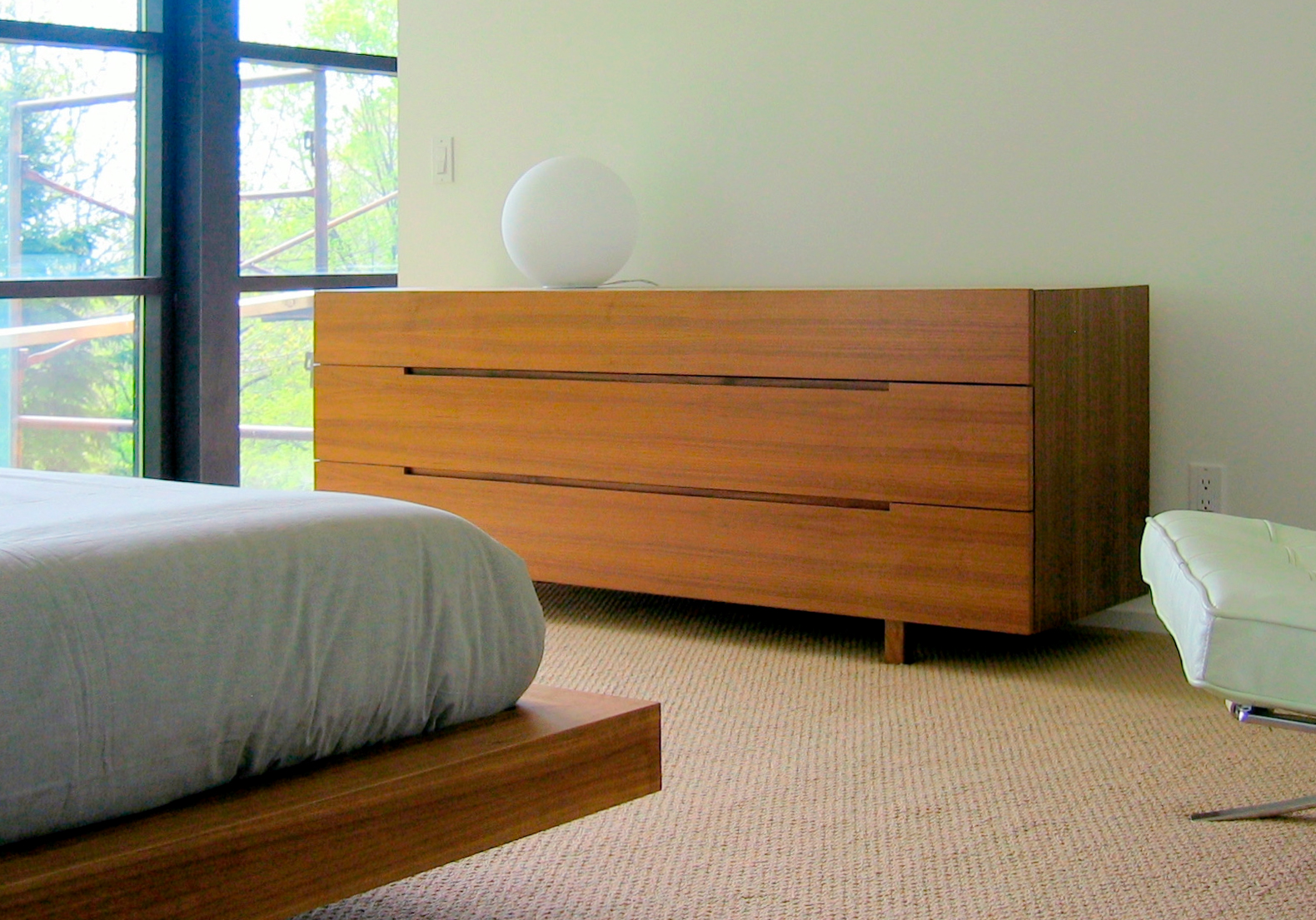 INTEGRATED DRAWER PULLS
