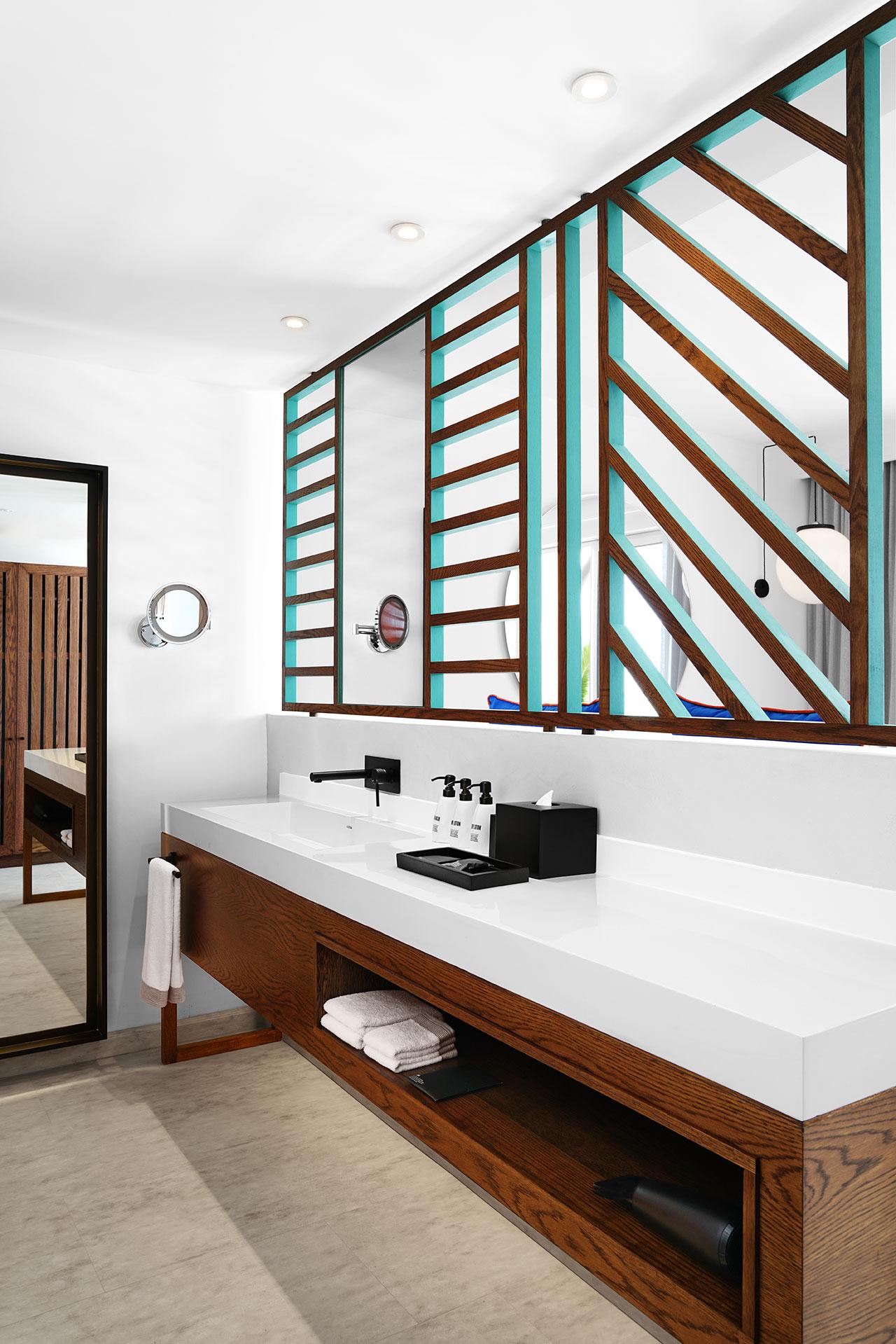 Room_221_bang_on_beach-5.jpg