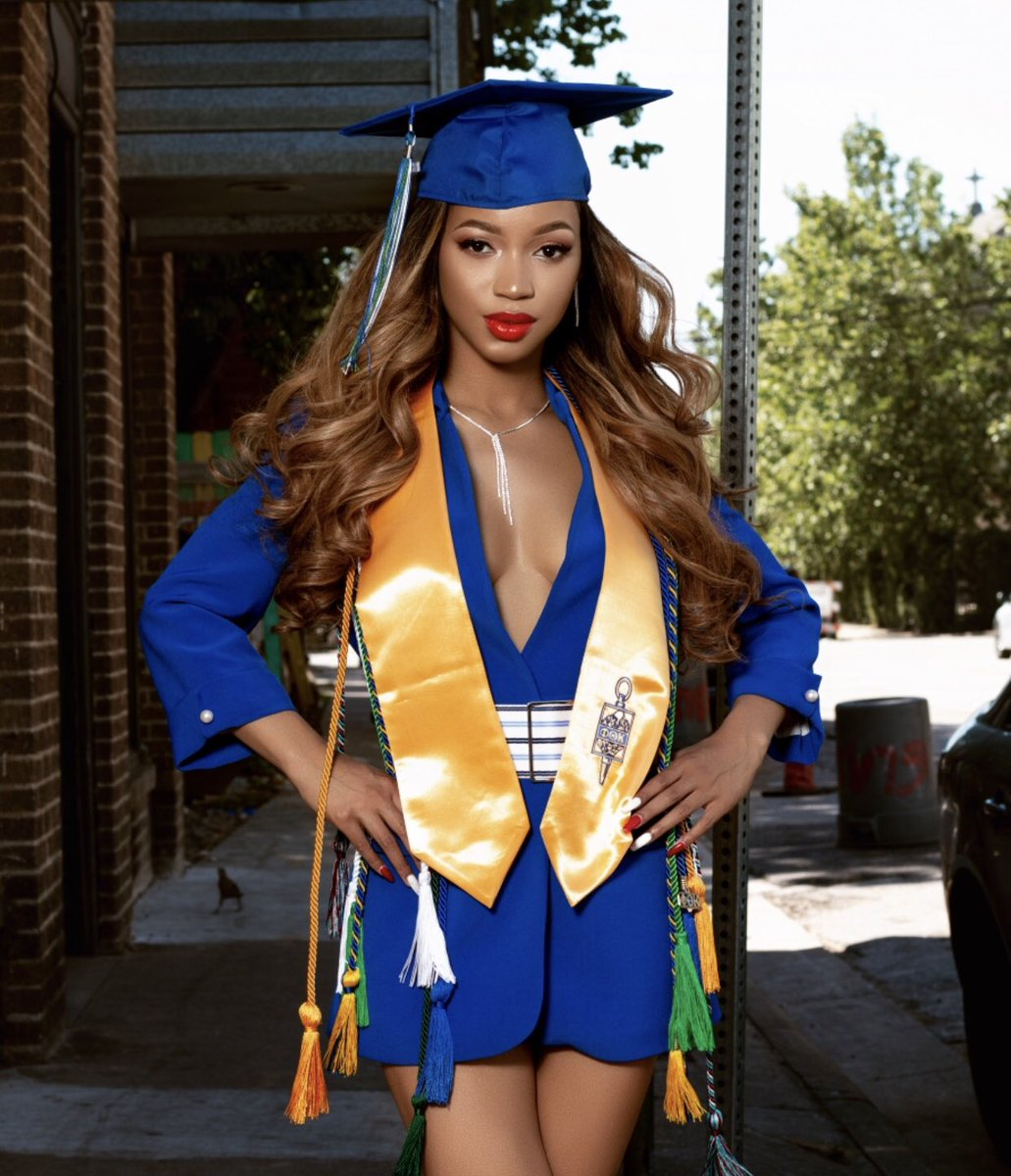 Kia Moore - Graduate of University of Dallas   Major: Biology