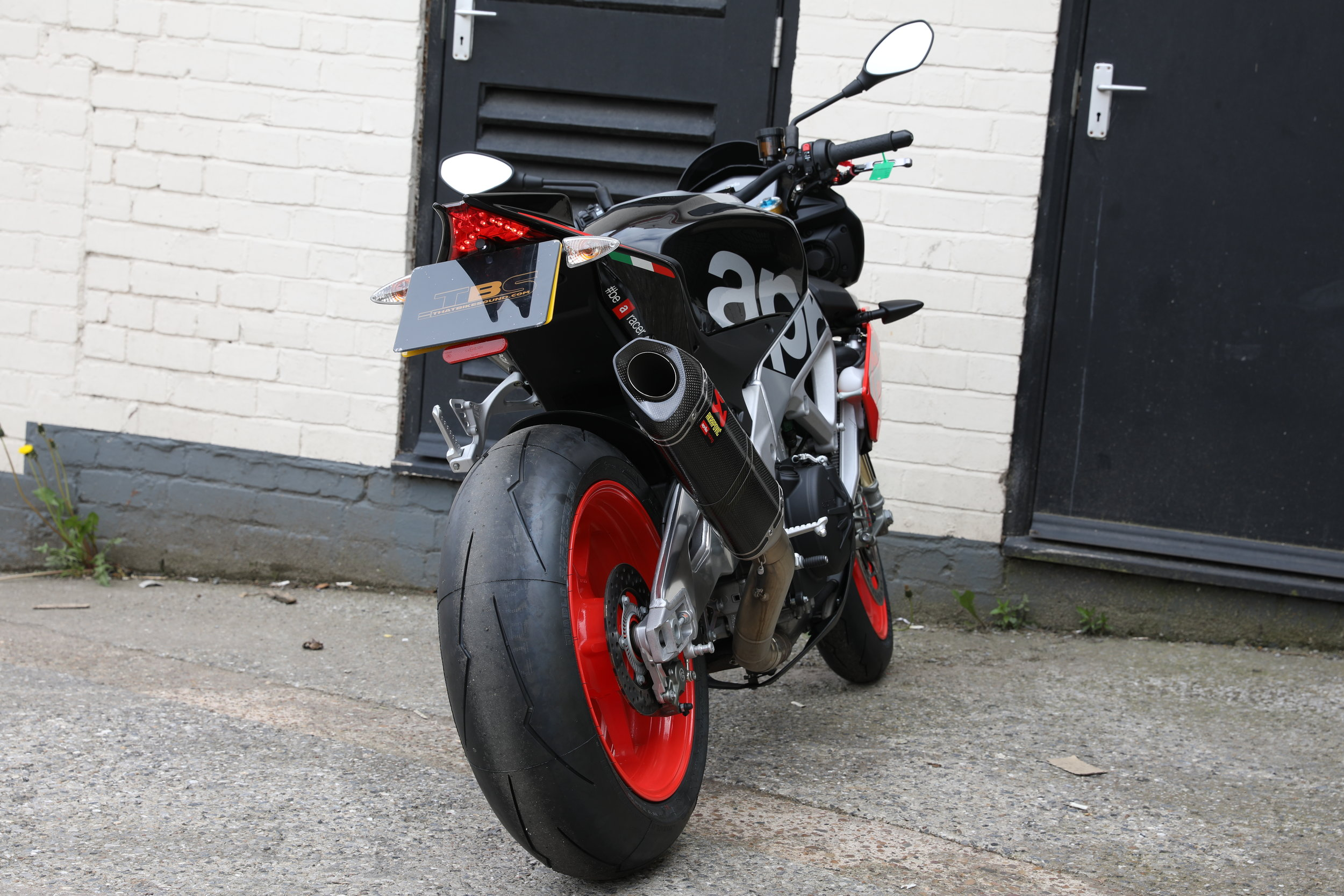 APRILIA TUONO V4 1100 FACTORY (2017-ON) AKRAPOVIC SLIP-ON