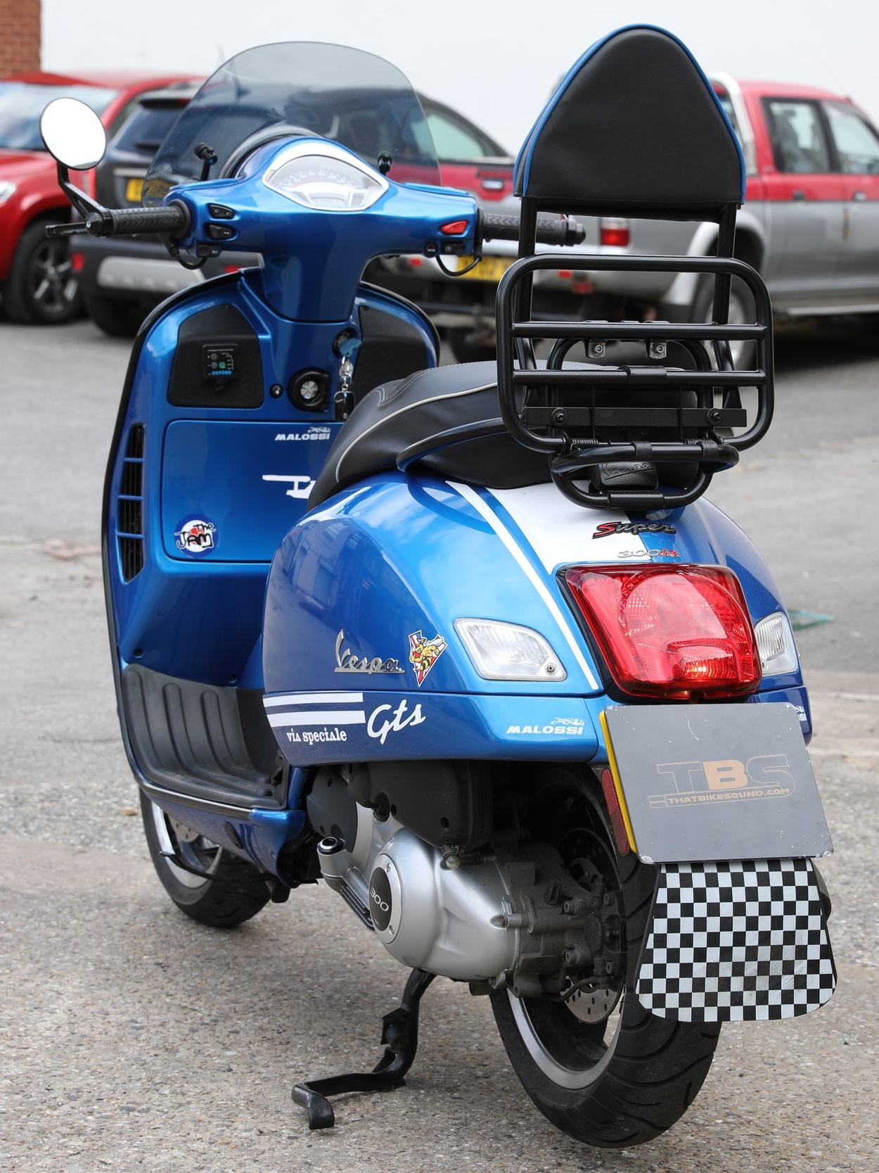 PIAGGIO VESPA GTS300 (2009-ON) AKRAPOVIC SLIP-ON