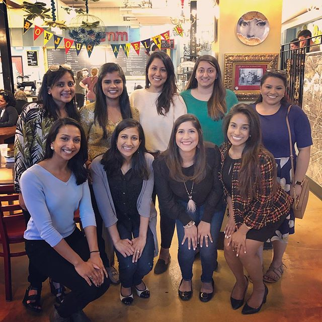 A short but sweet chai & champagne date with some Charlotte ladies. Thank you @thelittlebrowndiary for bringing us together! Cheers to many more 🥰 . . . #littlebrowndiary #littlebrowndiarycharlotte #clt #charlottenc #northcarolina #queencity #community #friendships #sonaaevents #charlotteevents #indian #southasian #girlbosses #amelies