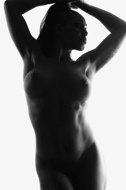 Sydni Deveraux, model and burlesque performer