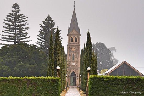 church-in-tanunda.jpg