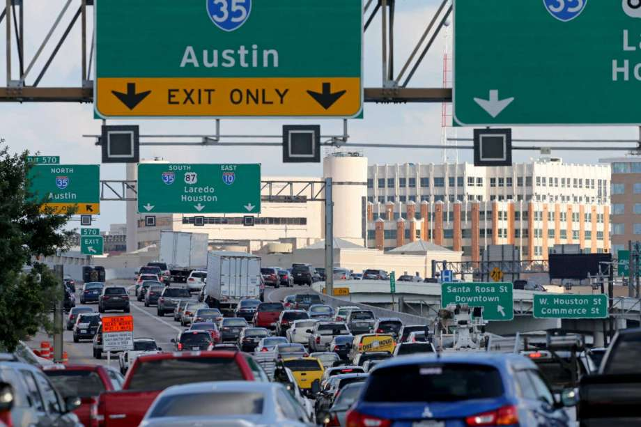 San Antonio can't build its way out of traffic congestion. Photo by San Antonio Express News