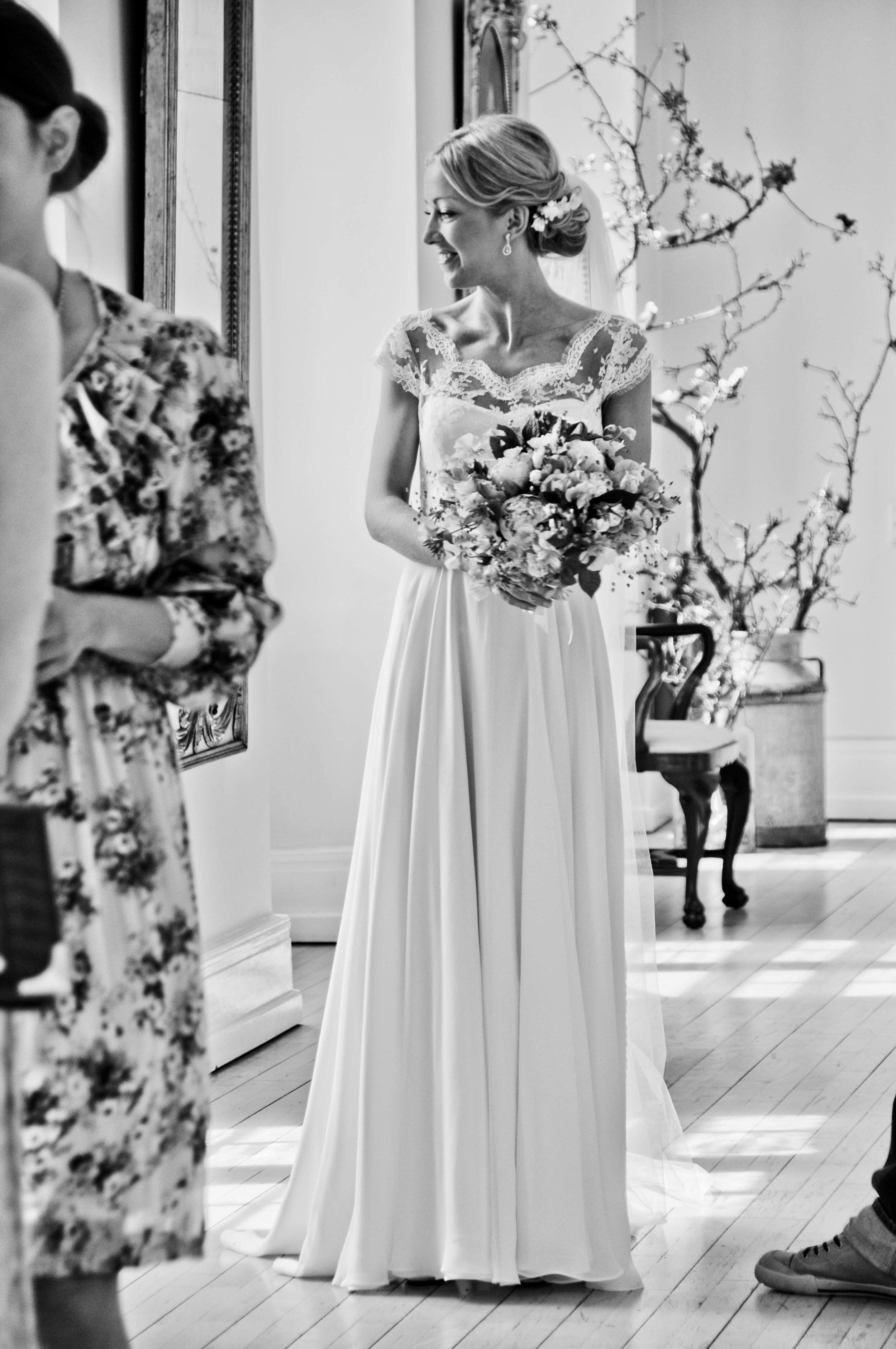Marianne i hendes kjole fra Jesper Høvring.