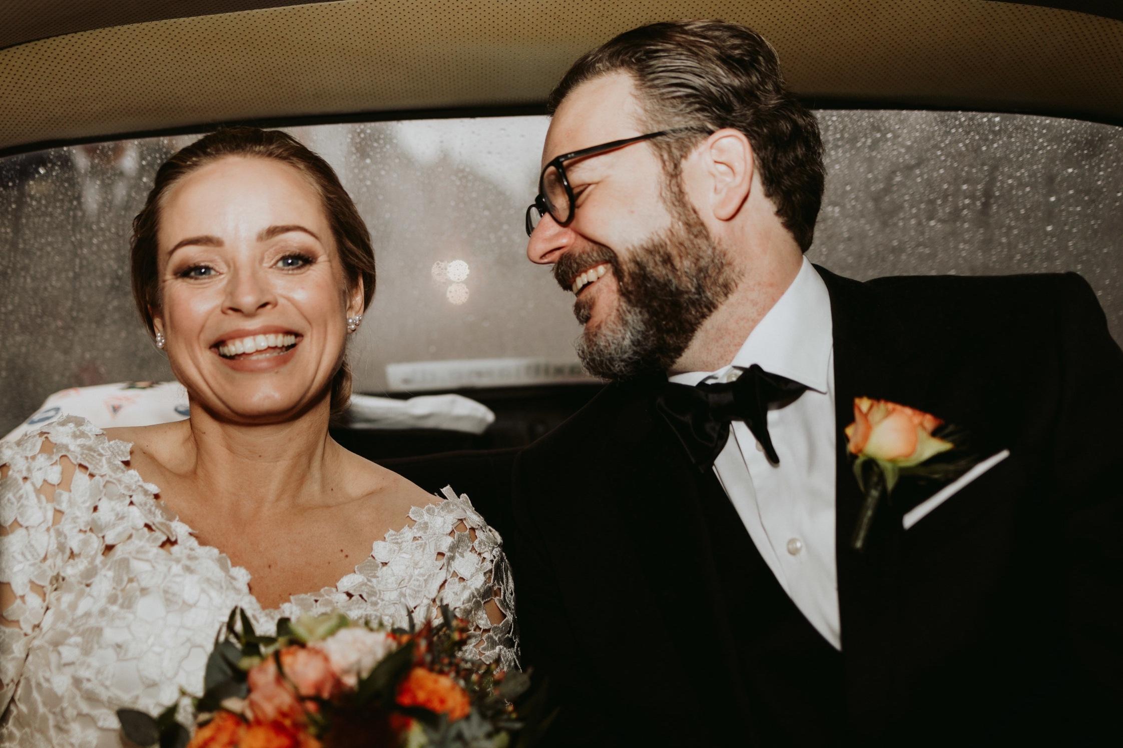 Marie og Karsten, 08.12.18 - Hvis I skal giftes, så skal I have fat i Brink Bryllup! Vi lover jer, at det bliver én af de bedste investeringer, I gør på dagen.Allerede under planlægningen, var Sofie en stor hjælp og fantastik sparring. Hun fangede med det samme, hvad vi ønskede os for dagen og kom med de helt rigtige anbefalinger til kok, blomsterbinder, service, DJ osv.På selve bryllupsdagen var det en fornøjelse at vide, at Sofie havde styr på alle detaljerne. Vi skulle ikke tænke på andet end at nyde dagen, aftenen og natten.Sofie er professionel, kreativ, detaljeorienteret og virkelig dygtig til dét, hun gør. Så selvfølgelig kommer Sofie med vores bedste anbefalinger.Marie & Karsten