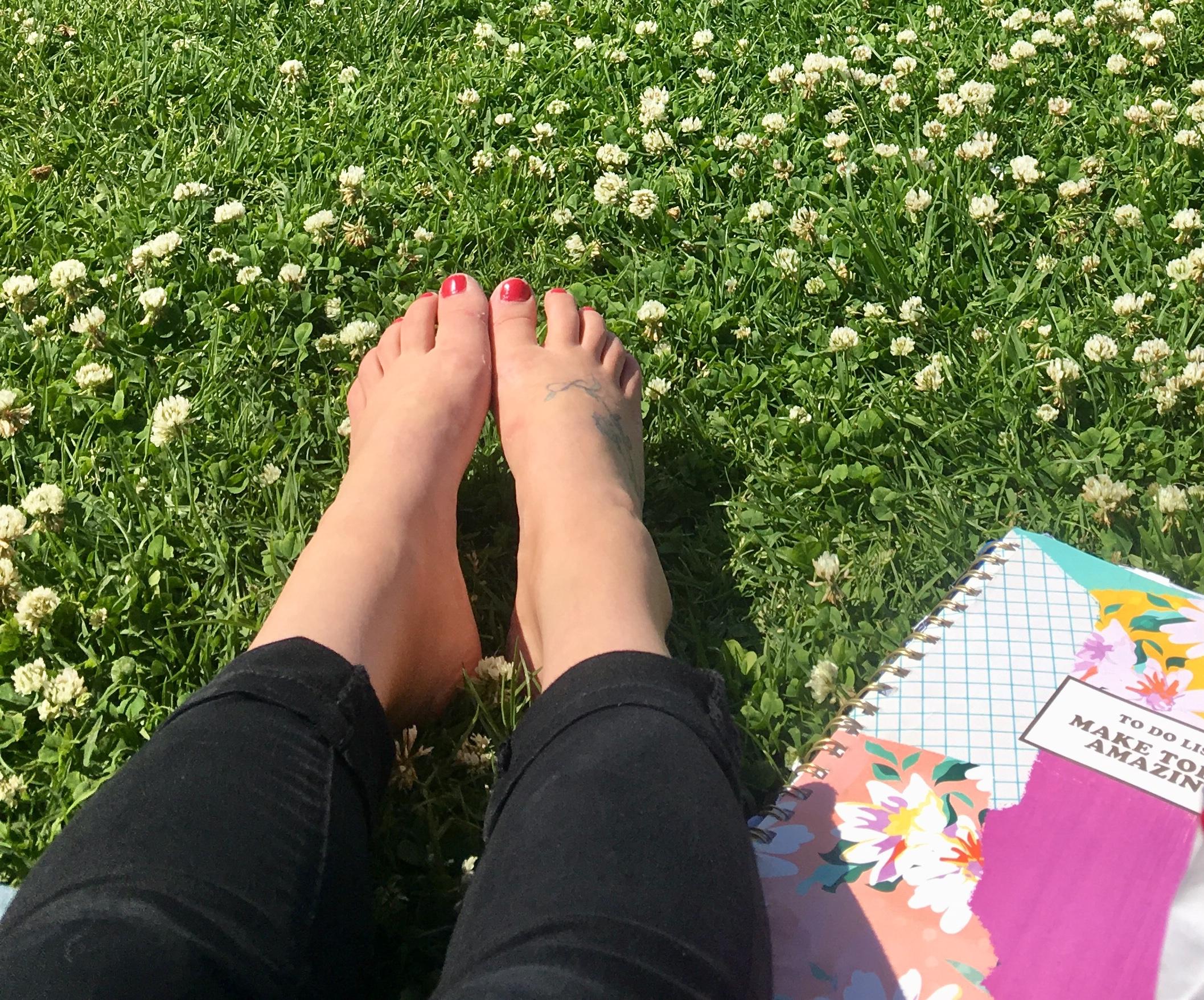 feet amaz.jpg