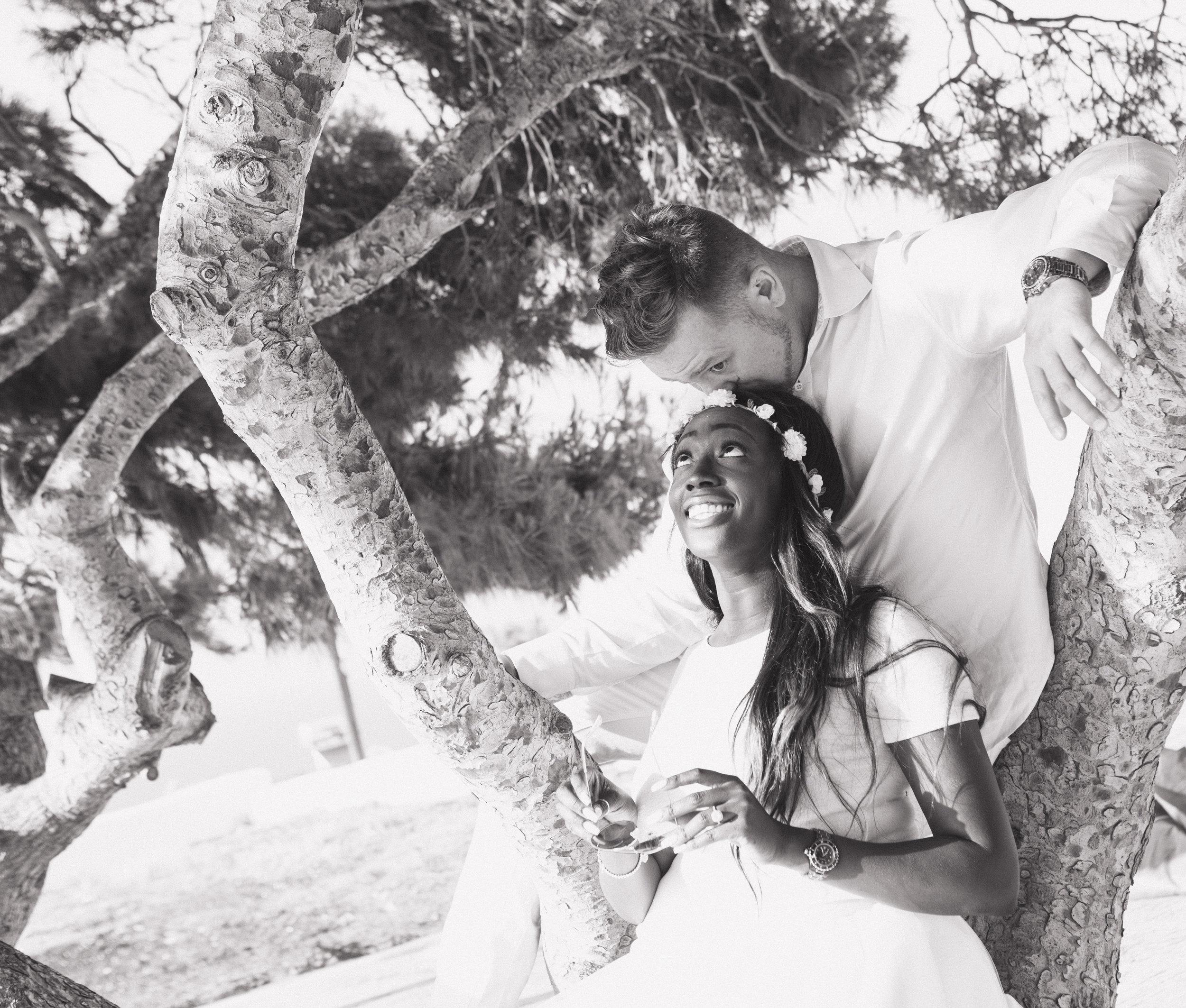 Santorini_couple_photo_sessions.jpg