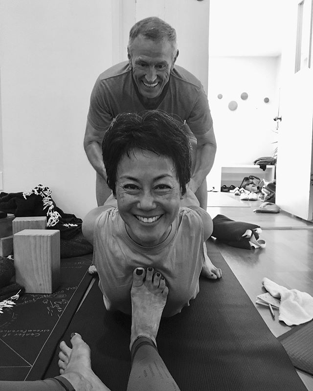 Breaking my long IG rest with an invite: Join me This Friday @katonahyogacenter 10AM for a Spirited  Communal in Sweet summer sweat, bends twists and lotsa evolutions also wild time in the sky we will sit w this 🌟#thesetwo I adore, a moment from Nevines recent training. She out did herself ❤️✨yes that's possible ++++++++++ ++++++++++ #katonahyoga #nevinesmagic #lettheuniverseeducateyou #blessed #lucky #grateful
