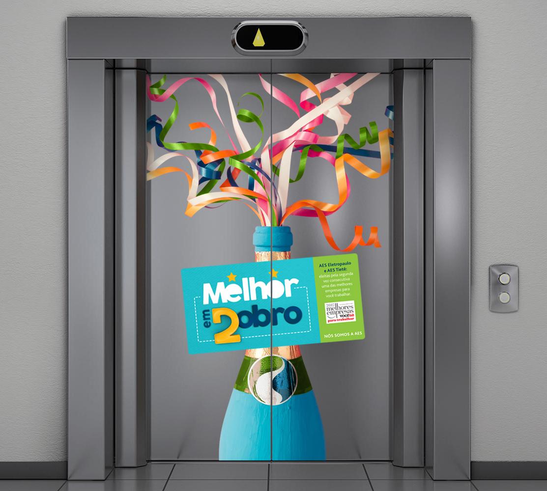 Ambientação - adesivação de elevador