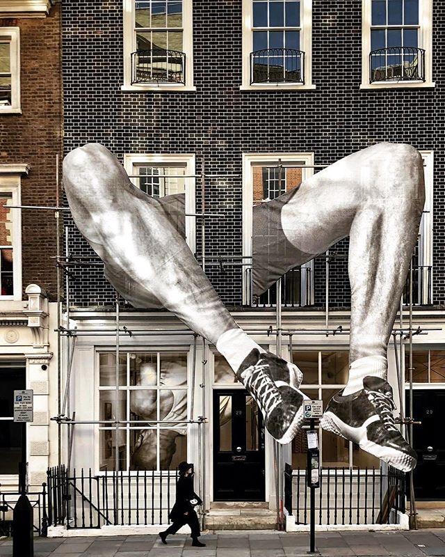 Art by @jr at @lazinc London. #urbanart #graffiti #artistsoninstagram #art #streetart #blackandwhite #urbanicscreative #modernart
