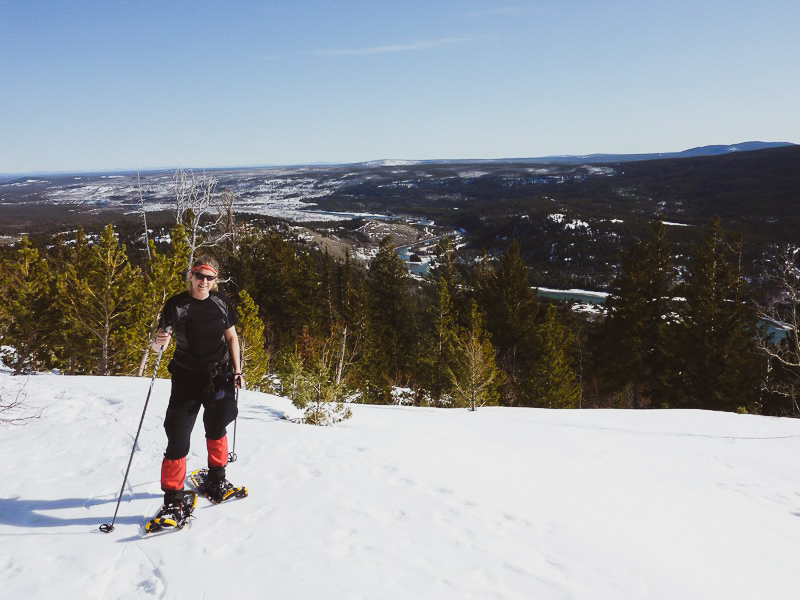 Shari on snowshoes.jpg