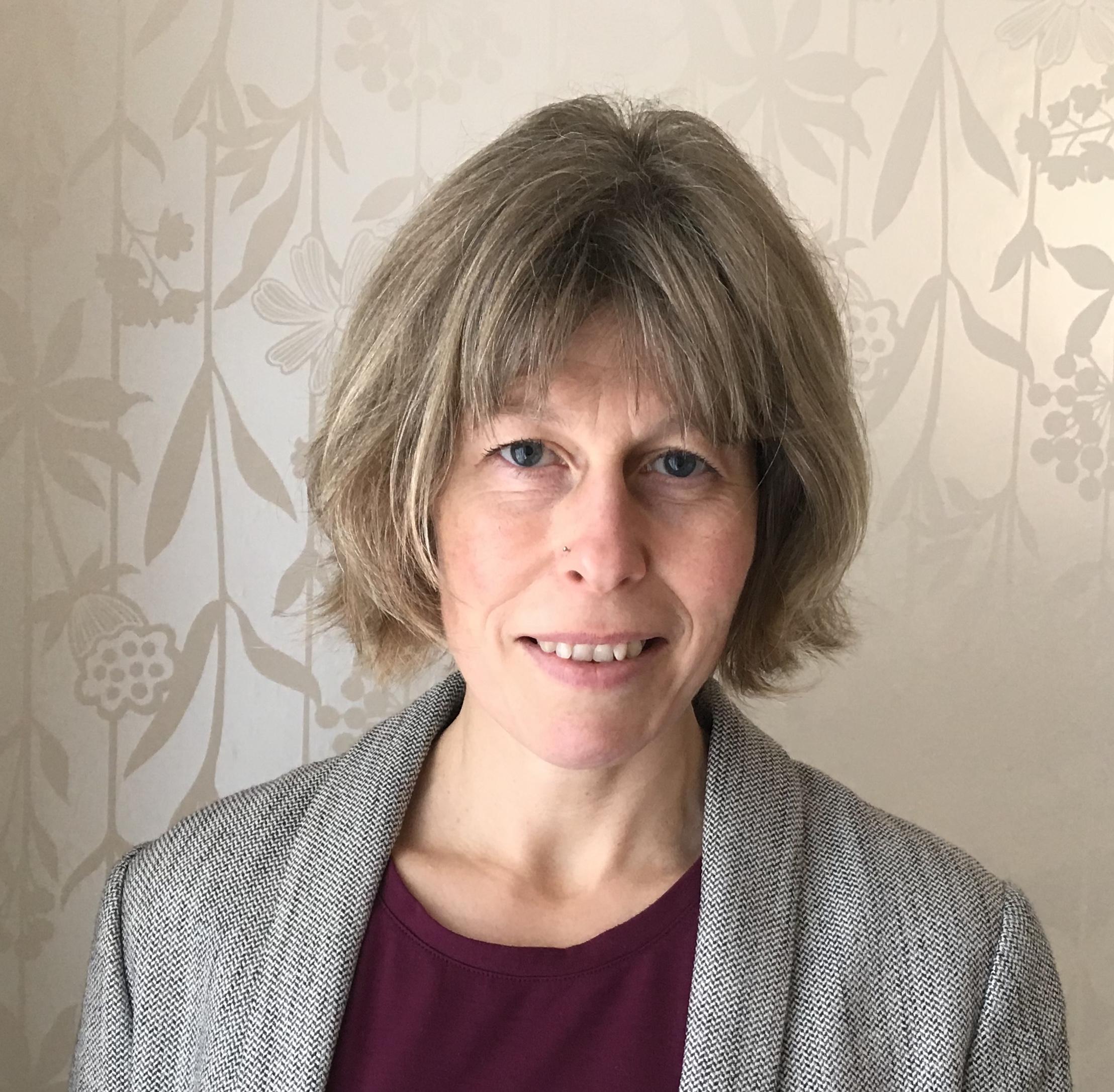 Vicki Suzuki hypnotist and hypnotherapist at therapy with Vicki lichfield