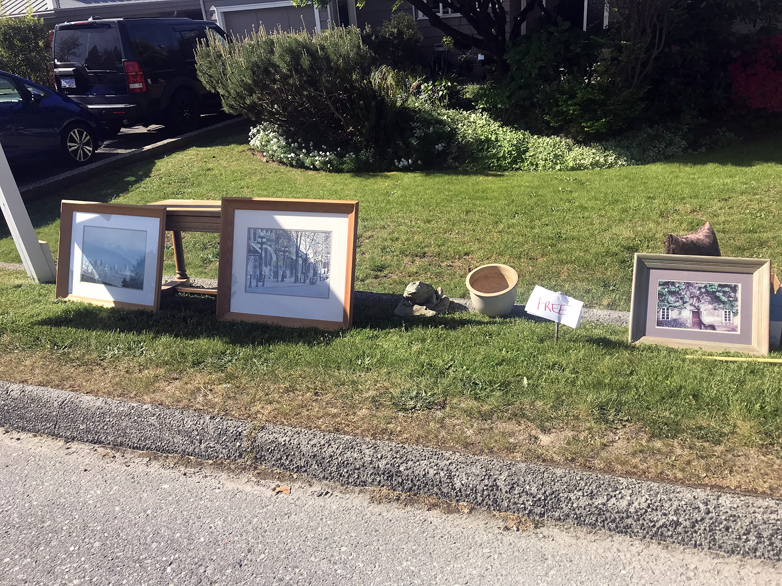 Suburban giveaway, North Vancouver 2019
