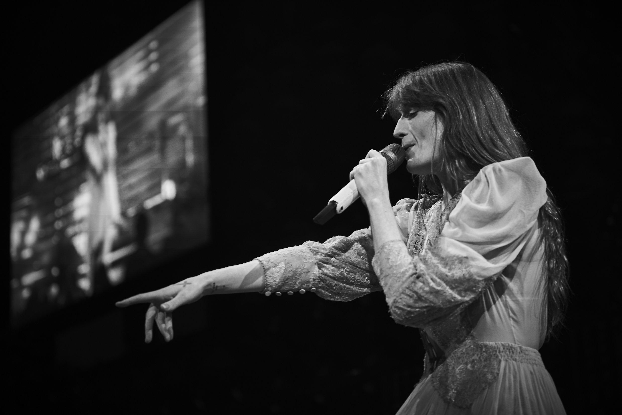 Florence + The Machine     // 2019-05-24 //   DTE Energy Music Theatre    -  Clarkston, MI // Photos by  Attila Hardy