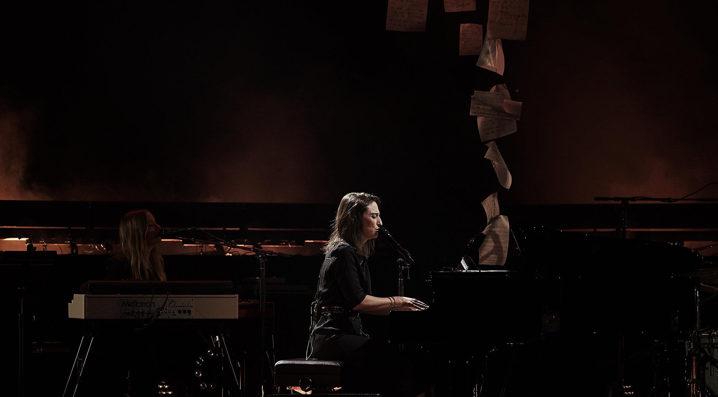 Sara Bareilles     // 2019-10-05 //   Fox Theatre    -  Detroit, MI // Photos by  Attila Hardy