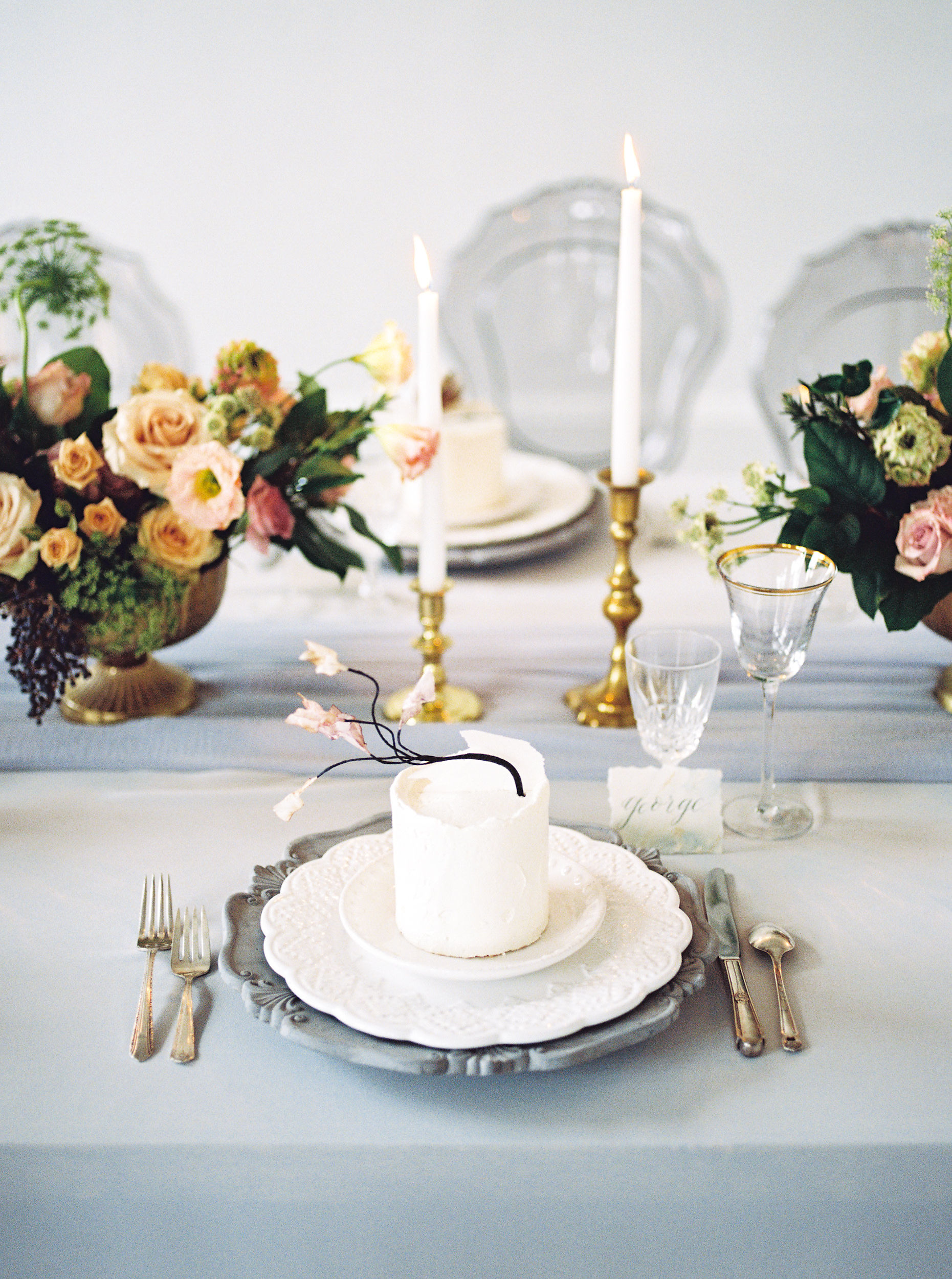table setting with individual wedding cake