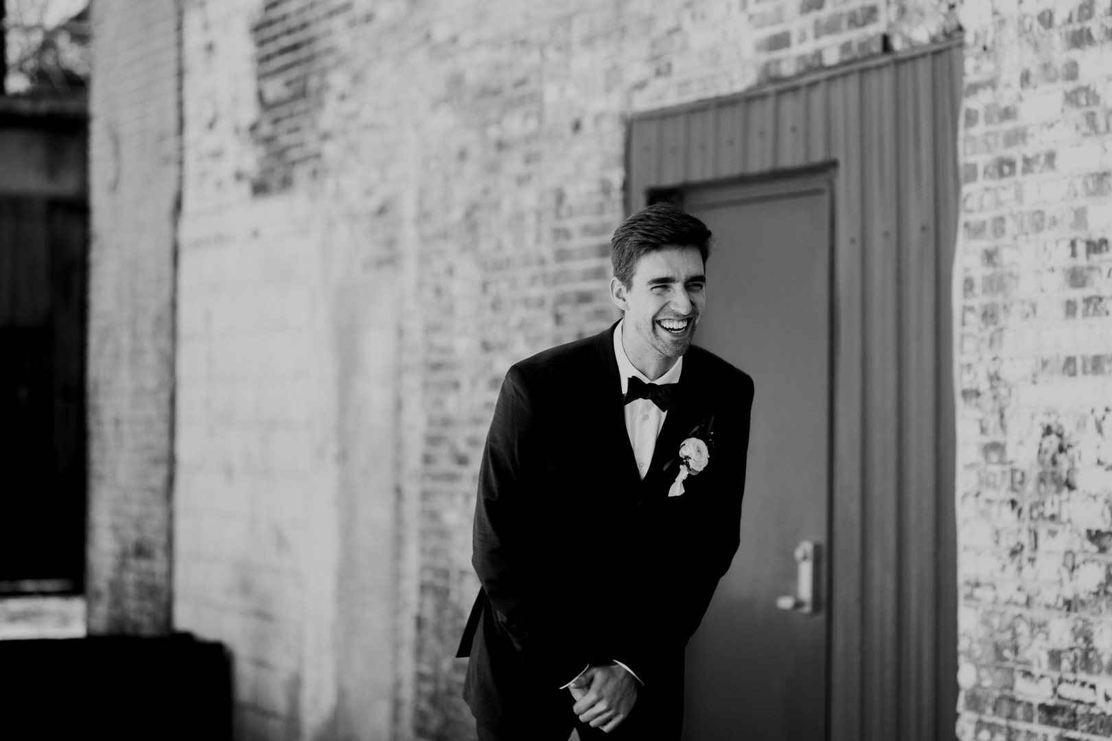 groom reaction at first look