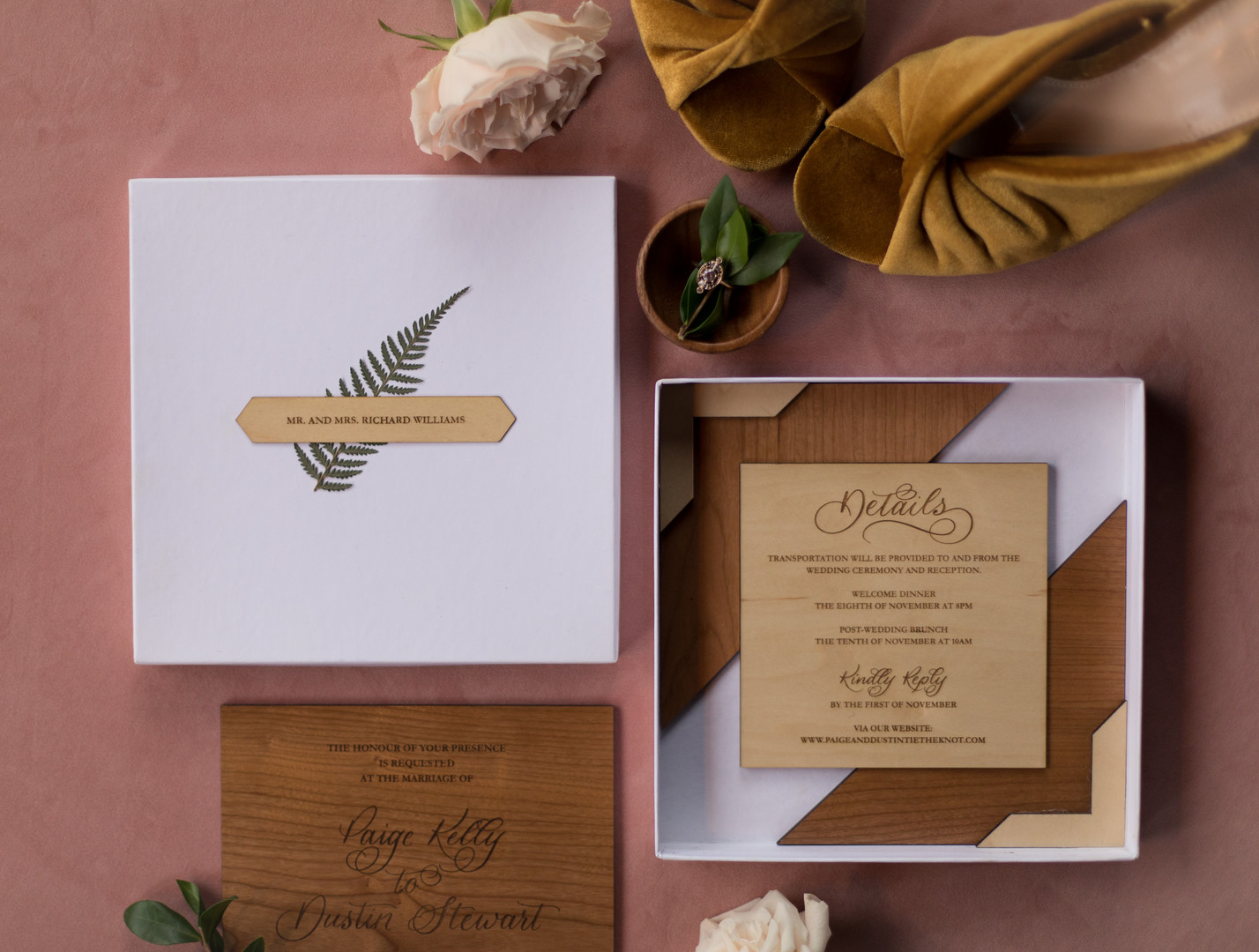 wedding details wood and leaves