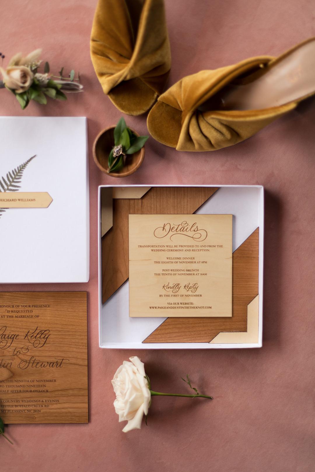 wood details for wedding