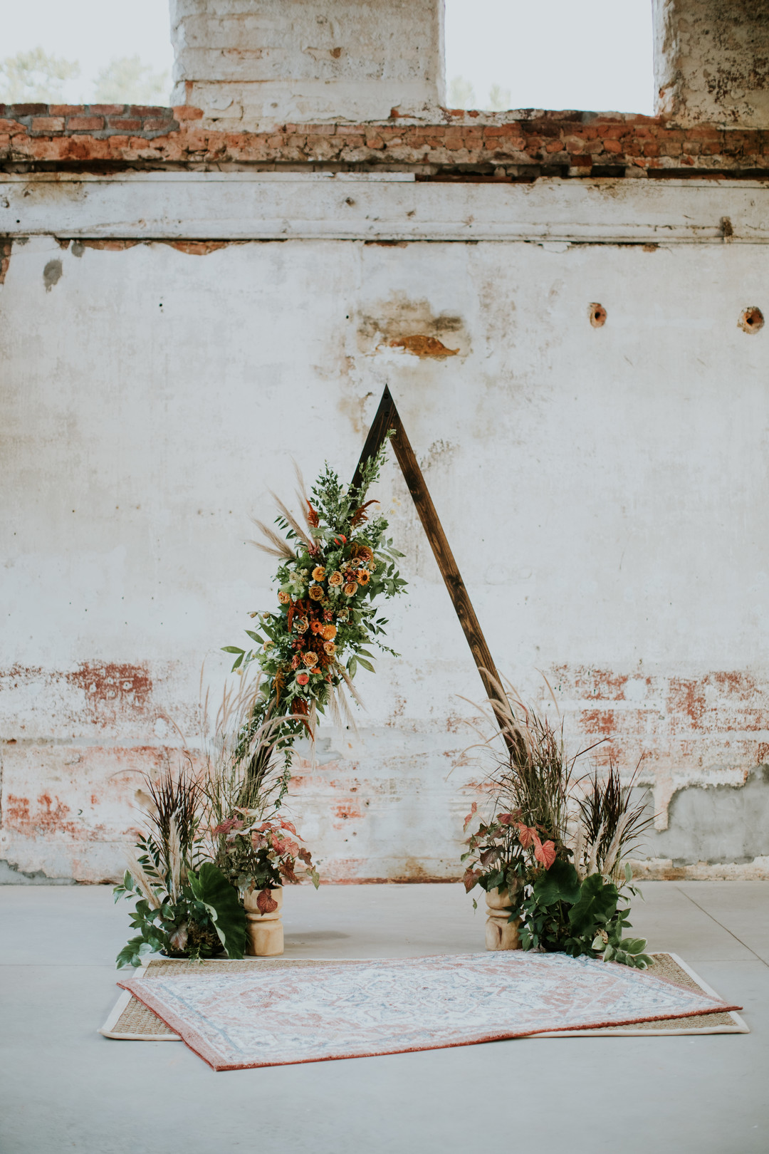 Triangle wedding arch