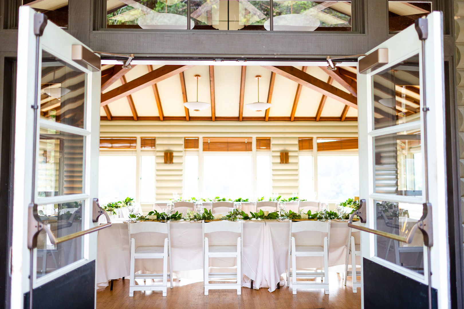 simple elegant reception table