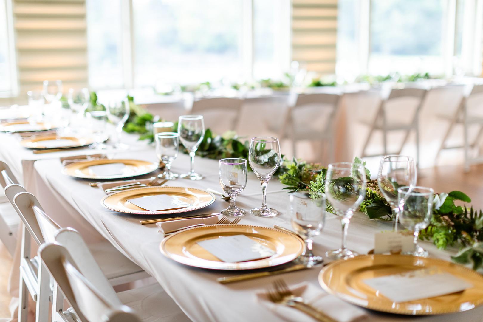 simple wedding table design