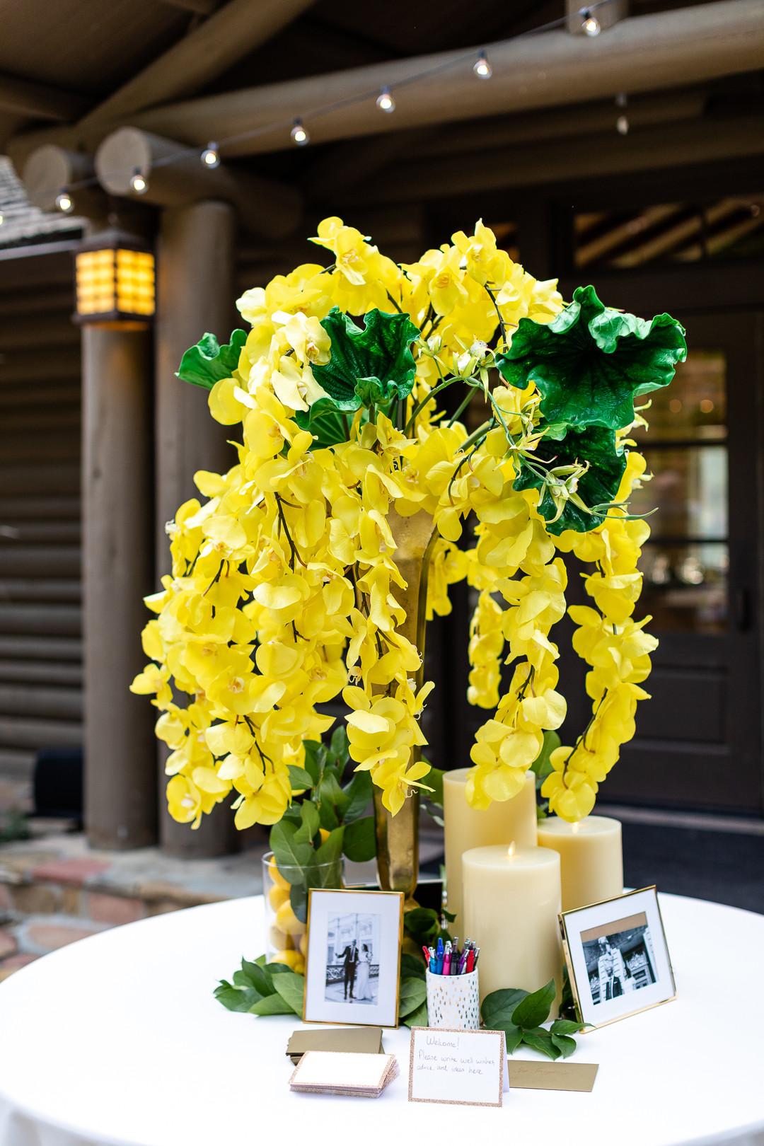 beautiful yellow centerpieces
