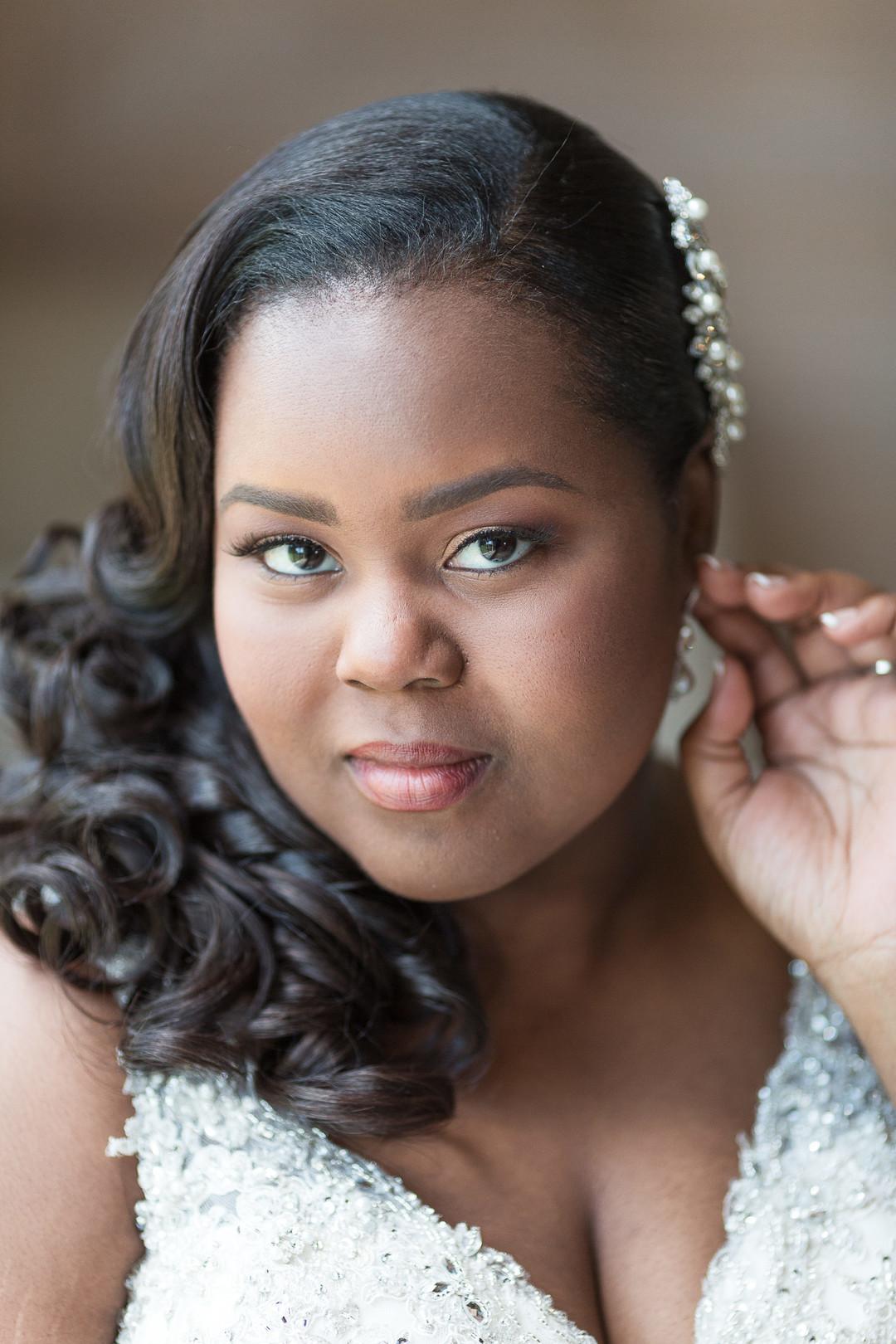 african american curvy bride