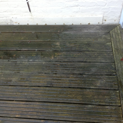 gallery-decking-cleaning-crawley-west-sussex-2.png