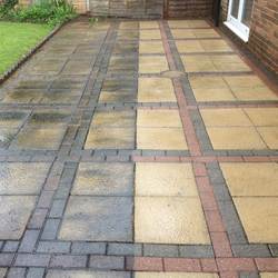 gallery-patio-cleaning-service-14.png