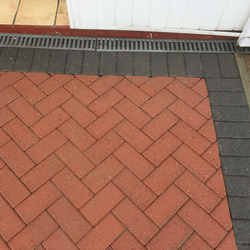 gallery-driveway-cleaning-service-4.png