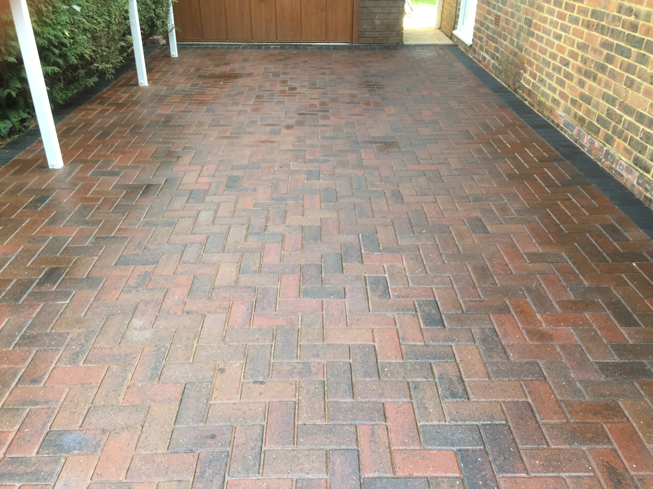 - Weather proof sealant brings out the colour in the block pavings. Also give longer lasting protection..