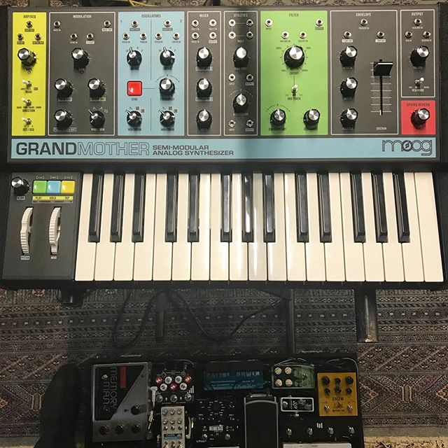 Say hello to the new guy. . #mooggrandmother #moog #analog #analogsynthesizer #synth #synthesizer #synthesizers #synths #keyboard #instrument #instruments #electronic #electronicmusic #krautrock #new #pedalboard #pedal #musicalinstrument #stauner